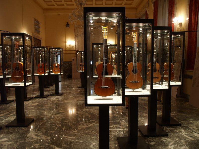 Mostra Chitarre - Palazzo del Governatore - Palatium Vetus - Fondazione CRA - Alessandria